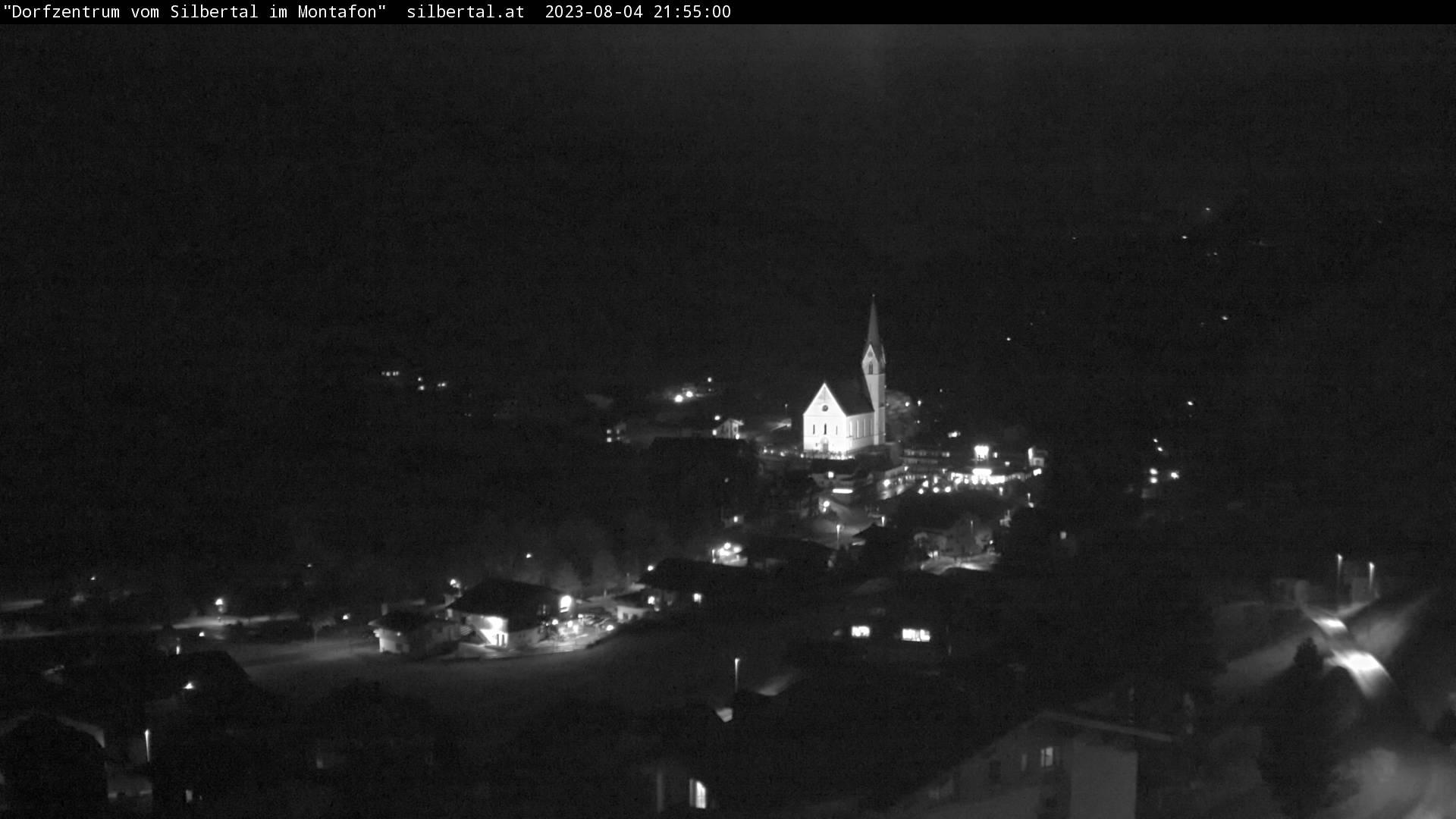 Die Webcam mit diesem Livebild zeigt das Dorfzentrum von Silbertal (http://www.silbertal.at).